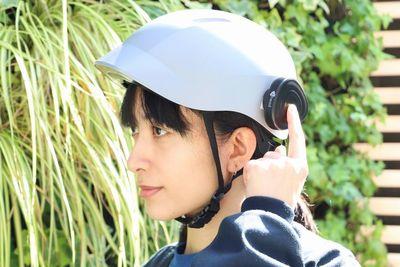 ヘルメットをヘッドホンに変えるスピーカー『Ahead(アヘッド)』