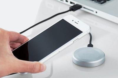 iPhone Xを置くだけで充電できる9W急速充電対応のエレコム社製「ワイヤレス充電パッド」
