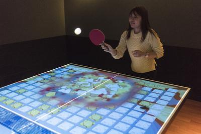 普通の卓球台がプロジェクションでブロック崩しゲームになる 『PONG! PONG!(ポンポン)』