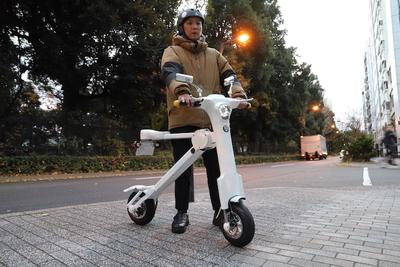 公道も走れる!コンパクトな折りたたみ式電動バイク「Cute-mL(キュート・エムエル)」