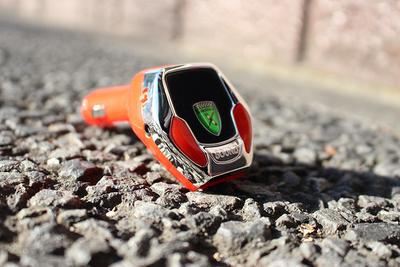 「SoundRacer X」愛車のシガーソケットに挿すだけでエンジン音がスーパーカーに!
