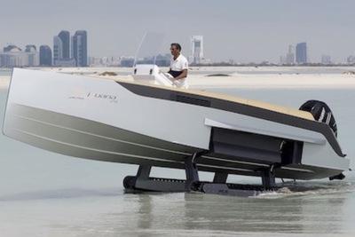 海から自宅へGO!?キャタピラーつき水陸両用ボート『イグアナ ヨット』
