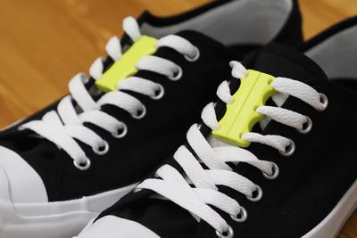 もう靴紐は結ばない。簡単に靴を履き脱ぎできる『Zubits(ズービッツ)』