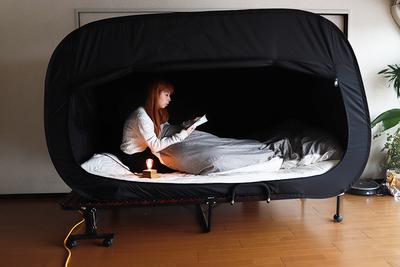 一人になりたい時もある!ベッドの上に作れる秘密基地『プライバシーベッドテント』