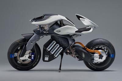 スーパーヒーローも注目!?人工知能AIを搭載した 近未来バイク『MOTOROiD(モトロイド)』