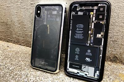iPhoneが透ける!?男のハートをくすぐるiPhone Xケース「Monolith Transparent X」がたまらん