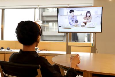 ワイヤレスイヤホンをテレビやPS4に接続する方法とは?有名メーカーのBluetoothトランスミッターで検証!