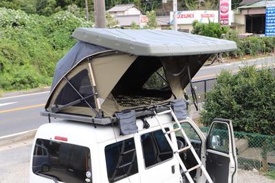 3分で車上にテントが張れる『電動開閉機能付きルーフテント』