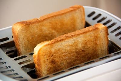 トースターのおすすめ10選!機能性とデザイン性の高い商品は?