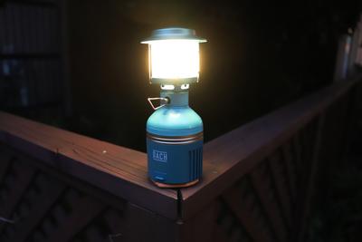 絶妙な明るさ調整可能!デザイン性にも優れた多機能ライト『DACH LUNAR』
