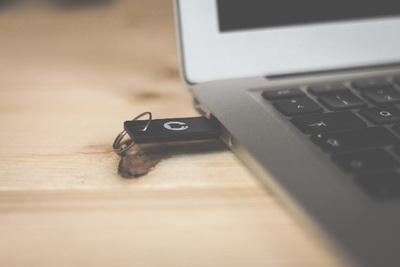 USBメモリーのセキュリティを強化できるフリーソフト3選