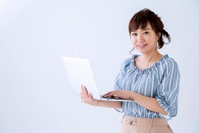 軽量ノートパソコンのおすすめタイプ別12機種。持ち運びに最適!