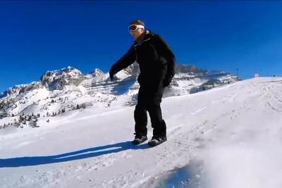 両足でスイスイ! 「Snowfeet」で雪山を滑りつくそう