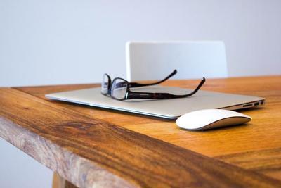 【使用シーン別】メンズ向けメガネのおすすめ人気商品10選!自分に適したメガネを知ろう