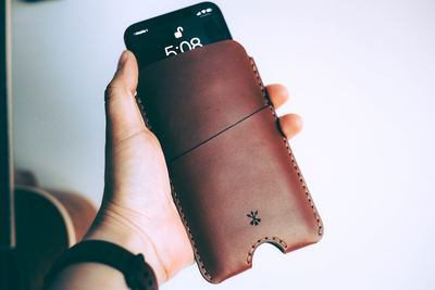 通勤に超便利!iPhone用ICカード付きのおしゃれなケース大特集