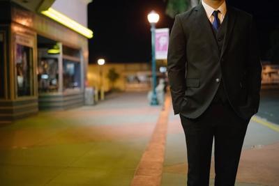 メンズ向けスーツのおすすめ人気商品10選!コスパのいいスーツをおしゃれに着こなそう