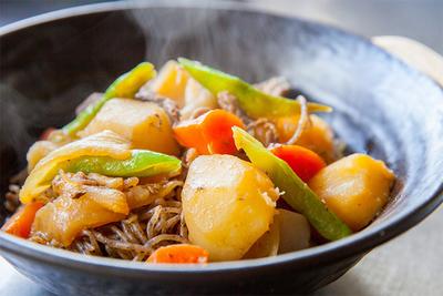 電子レンジ専用の圧力鍋や炊飯器、レシピが広がる便利グッズ8選