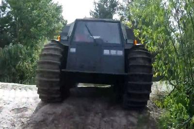 荒れ地どころか水上でも敵なしの水陸両用ATV「SHERP」