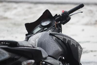 バイク用レインウェアおすすめ10選!雨の日も安全に走りを楽しもう