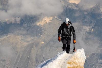 登山用レインウェアのおすすめ10選!選び方のポイントもチェック