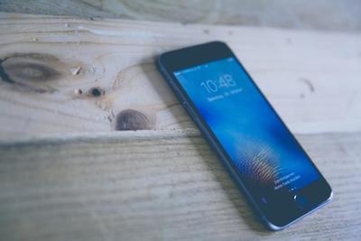 Qi対応モバイルバッテリーのおすすめ商品10選!選び方のポイントも解説