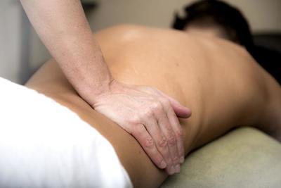 女性におすすめの骨盤矯正グッズ10選♪腰痛予防やダイエット・猫背対策をしよう!