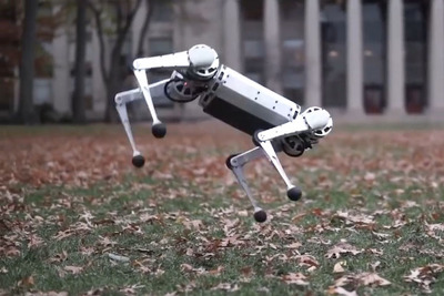 MIT開発のチーターロボットがバク宙を決めまくる!