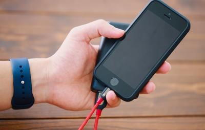 モバイルバッテリーは100均で買える?種類と性能を徹底調査してみた!