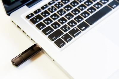 USBメモリーのフォーマットとは?必要性や方法とできないときの対処法