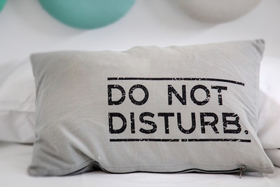 おすすめのネックピロー10選!移動中や仮眠を快適にサポートしてくれる商品はどれ?