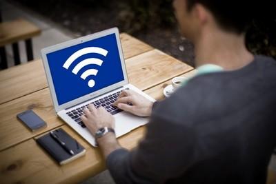 Wi-Fiルーターに接続する方法は?パソコンだけでなくスマホや中継器も
