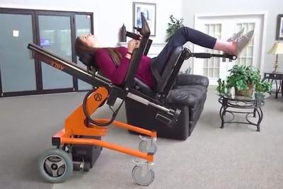 リクライニングから立ち作業までできる車椅子「AbleChair」