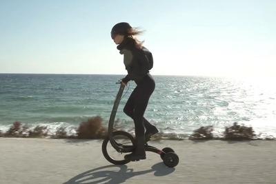 踊るように操縦する、立ち漕ぎ3輪自転車「Halfbike 3」