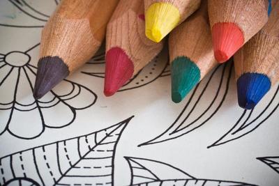 大人の塗り絵でリラックス効果を実感しよう♪おすすめ商品10選を紹介!