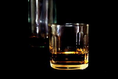 ウイスキーのアルコール度数は何%?度数が高いウイスキーを楽しむコツは?