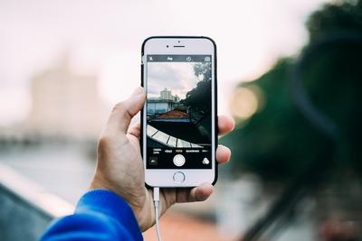 本革も!ICカードやクレカの収納にも便利な手帳型の人気iPhoneケース大公開