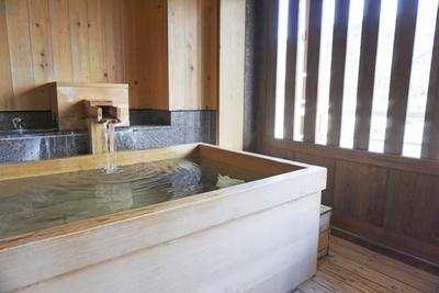 日本酒風呂のメリットとは?基本的なやり方と期待できる効果を紹介