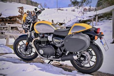 バイク用防寒アイテム10選!寒さを防いで安全にバイクを楽しもう
