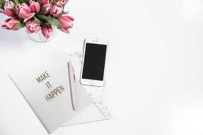 女子の定番アイテム グリッターiPhoneケースの種類やおすすめ商品を紹介