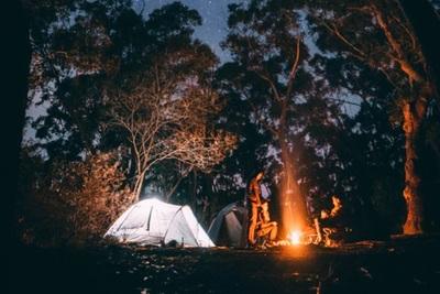 キャンプといえば焚き火!楽しむ方法からマナー・注意点まで詳しく解説!