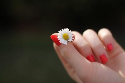 爪やすりの選び方のポイントとおすすめ商品10選!赤ちゃん向けや電動爪やすりも紹介