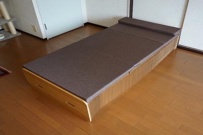 折りたたみができる究極省スペースベッド「Paper Bed」【半歩未来のライフスタイル】