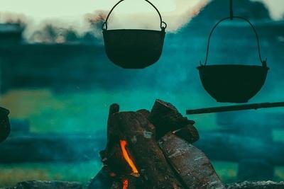 おすすめのキャンプ飯とは?充実した料理を作るコツを紹介!