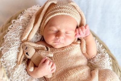 出産祝いで人気の定番アイテムやおしゃれなブランドアイテム20選