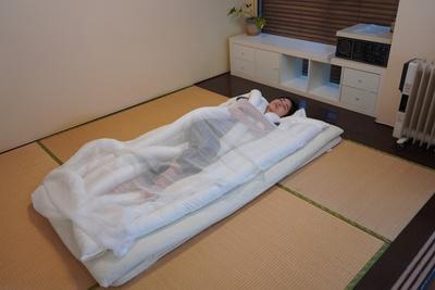 うどんをかけて寝る?自由で快適な睡眠を実現「睡眠用うどん」【半歩未来のライフスタイル】