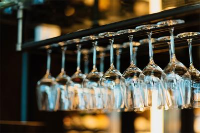 ワイングラスの収納はおしゃれに!インテリアにもなる収納アイデアを紹介
