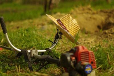 草刈機おすすめ10選!作業を効率的にするタイプ別草刈機の選び方!