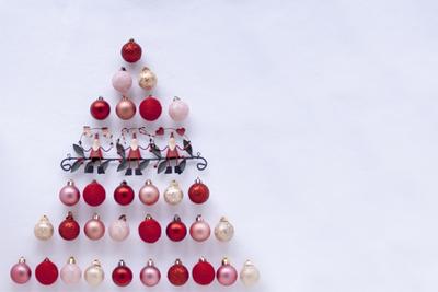 クリスマスツリーはタペストリーが人気!おしゃれな壁掛けツリー12選