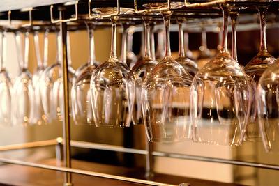 おすすめワイングラスホルダーでおしゃれに収納!ニトリやIKEAも紹介