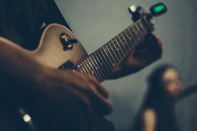ギターチューニングに活躍!おすすめチューナー10選